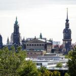 Ausblick von der Dachterrasse des ehemaligen Fabrikgebäudes der Zigarettenfabrik Yenidze auf die Dresdner Altstadt