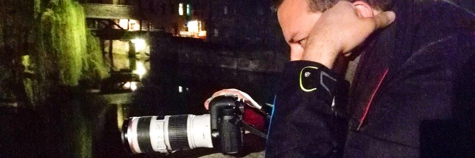 Fotograf Christian Öser während der Arbeit