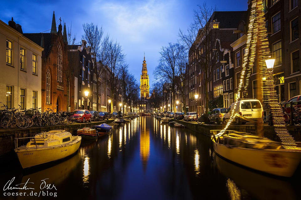 Amsterdamer Grachten in der Dämmerung
