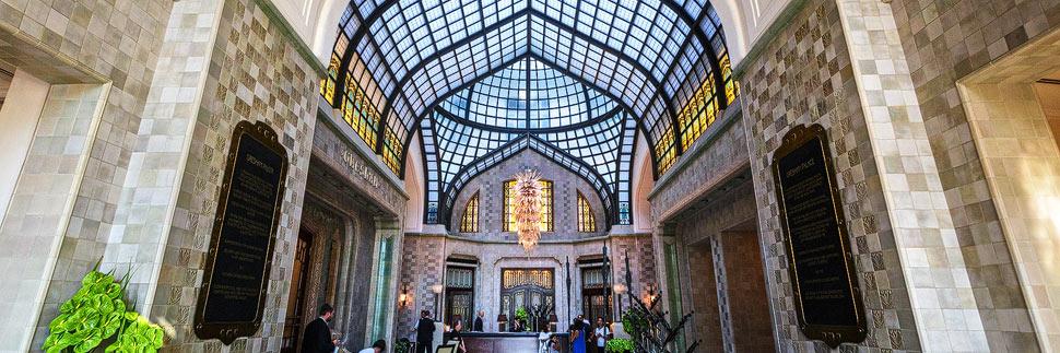 Jugendstilfoyer im Gresham-Palast in Budapest
