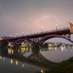 Gewitterstimmung vor der Brücke über die Drau in Maribor