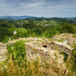 Alte Burgreste auf dem Piramida (Pyramidenberg) in Maribor
