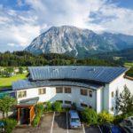 Ausblick auf den Grimming vom Einzelzimmer des Hotels Der Hechl in Tauplitz