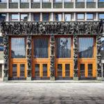Portal des Parlamentsgebäudes in Ljubljana
