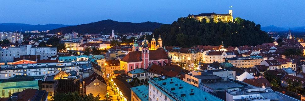 Aussicht vom Wolkenkratzer Nebotičnik auf Ljubljana