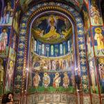 Innenansicht der serbisch-orthodoxen Kyrill-und-Method-Kirche in Ljubljana