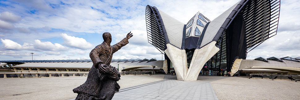 Bahnhof Flughafen Lyon von Architekt Santiago Calatrava