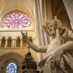 Innenansicht der Cathédrale Saint-Jean-Baptiste in Lyon