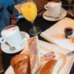 Frühstück in der Diplomatico Brasserie in Lyon