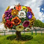 Der Blumenbaum L'arbre à fleurs vom koreanischen Künstler Choi Jeong-Hwa in Lyon