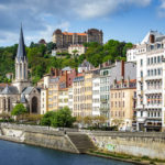 Blick vom Saône-Ufer auf den Lyoner Stadtteil Saint-Georges