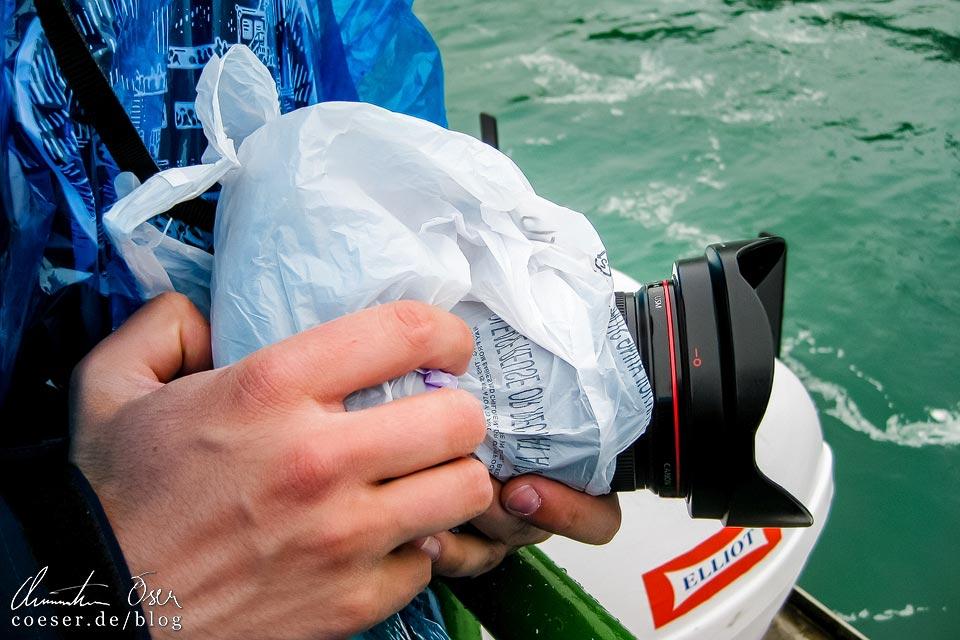 Vor Wasser geschützte Kamera vor den Niagarafällen