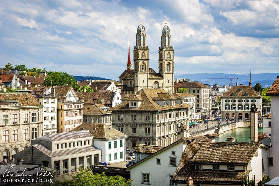 Großmünster in Zürich vom Lindenhof aus gesehen