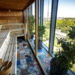 Ausblick von der Sauna im 25hours Hotel Bikini Berlin auf den Tiergarten