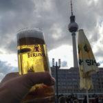 Bierpause in der AlexOase am Alexanderplatz in Berlin