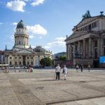 Der Deutsche Dom und das Konzerthaus auf dem Gendarmenmarkt in Berlin