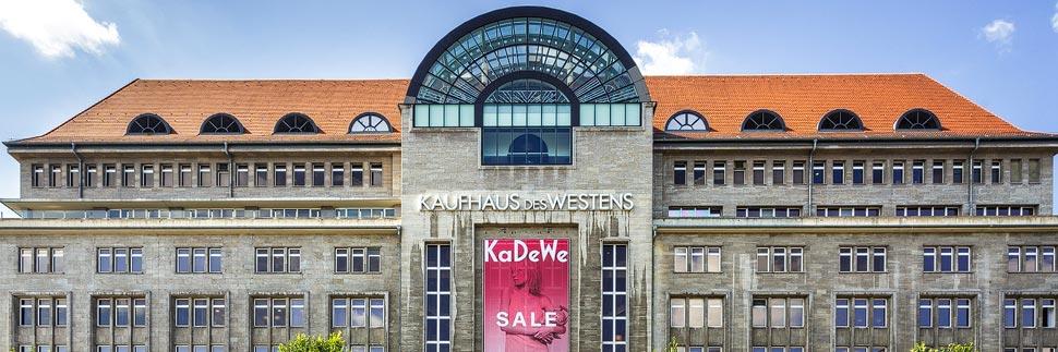 Außenansicht des KaDeWe (Kaufhaus des Westens) in Berlin