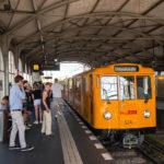 U-Bahn im Görlitzer Bahnhof in Berlin