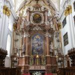 Der Hochaltar im Alten Dom in Linz