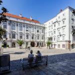 Platz vor dem Landhaus in der Linzer Altstadt