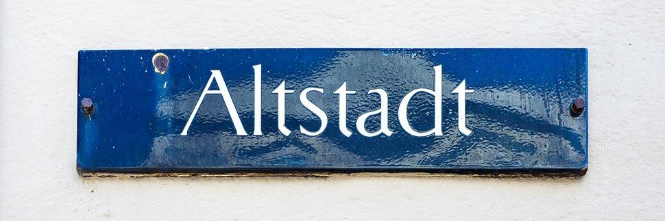 Straßenschild Altstadt in Linz