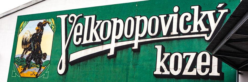 Schriftzug Velkopopovický Kozel in der Brauerei Velké Popovice