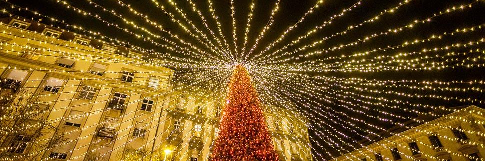 Weihnachtsmarkt vor der St.-Stephans-Basilika