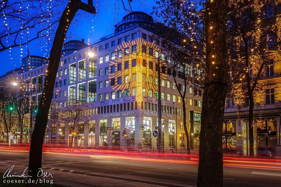 Riesige Weihnachts-Friedenskerze auf der Ringstraße in Wien