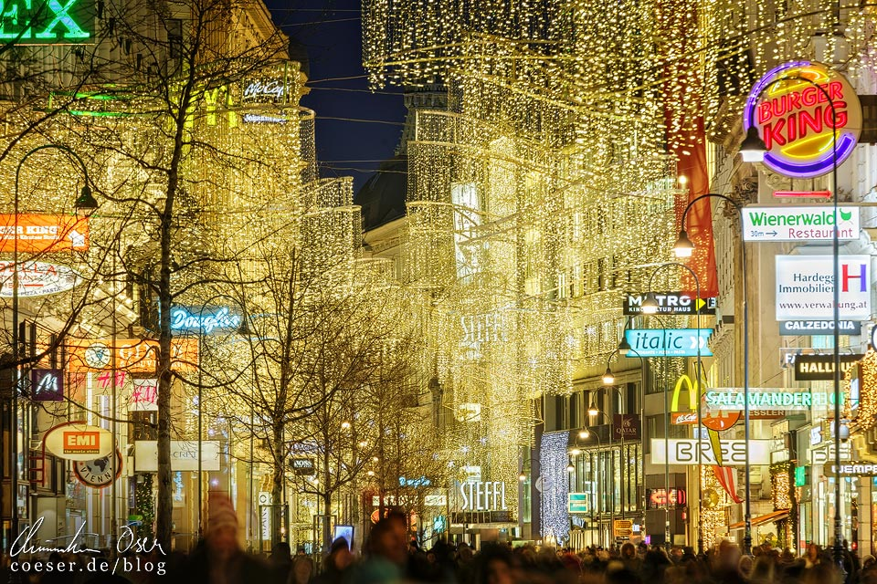 Weihnachtsbeleuchtung auf der Kärntner Straße in Wien