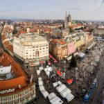 Blick auf den Ban-Jelačić-Platz und die Kathedrale vom Hochhaus Zagreb 360°
