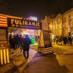 Eingang zum Weihnachtsmarkt Fooling around (Fuliranje) in Zagreb