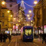 Die weihnachtlich beleuchtete Einkaufsstraße Ilica in Zagreb