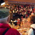 Weihnachtsmarkt auf der Straße Bogovićeva ulica in Zagreb