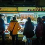 Innenansicht der Markthalle Dolac in Zagreb