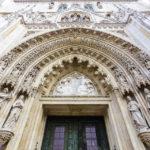 Hauptportal der Kathedrale von Zagreb