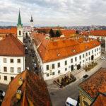 Panorama von Zagreb vom Lotrščak-Turm aus fotografiert