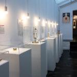 Exponate im Museum of broken relationships in Zagreb