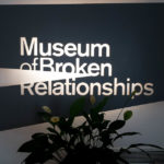 Eingang zum Museum of broken relationships in Zagreb