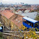 Blick von der Bergstation der Standseilbahn (Uspinjača) auf Zagreb