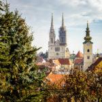 Blick von der Strossmayer-Promenade auf die Kathedrale von Zagreb