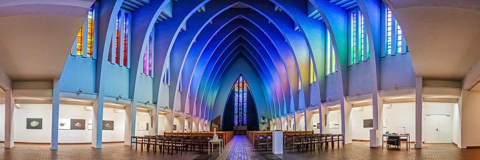 Innenansicht der Kirche am Hohenzollernplatz in Berlin