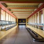 Abflughalle im Flughafen Tempelhof in Berlin