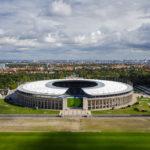 Blick vom Glockenturm auf das Olympiastadion Berlin