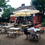 Die Kreuzberghütte (X-Berg-Hütte) im Viktoriapark in Berlin