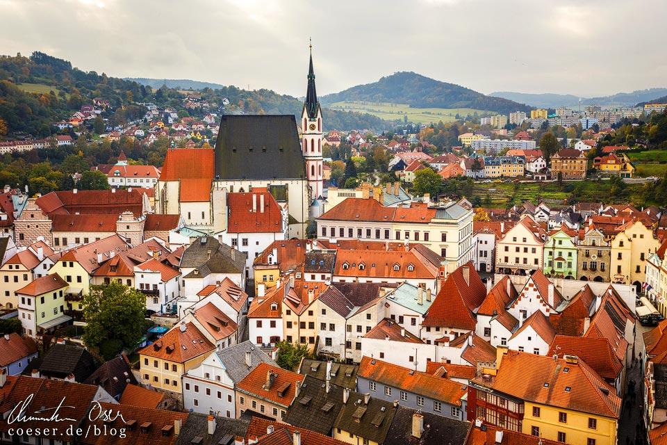 Die Innenstadt von Český Krumlov vom Schlossturm aus gesehen