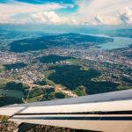 Blick auf Zürich und den Zürisee vom Flugzeug aus