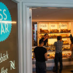 Innenansicht der Äss-Bar in Zürich