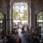 Der Innenhof des Café Milchbar in Zürich