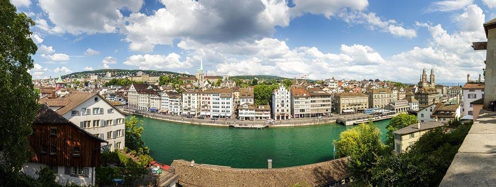 Panoramablick vom Lindenhof in Zürich