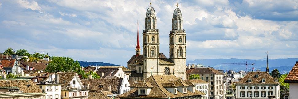 Außenansicht des Großmünsters in Zürich